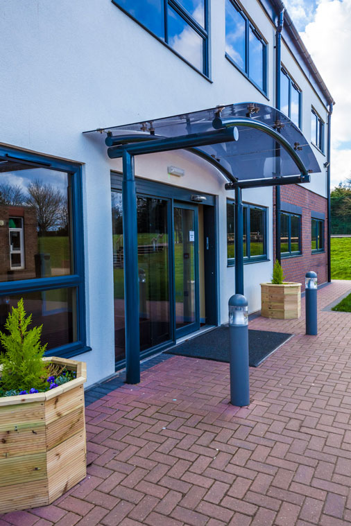 Modular design building entrance canopy